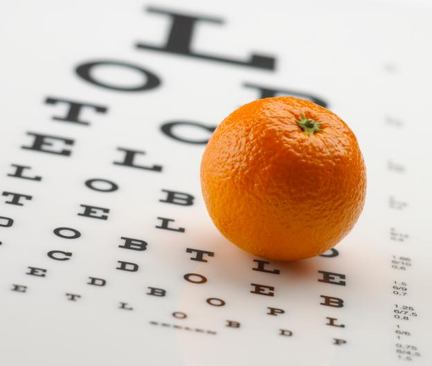 Портокал върху таблица за зрителна острота