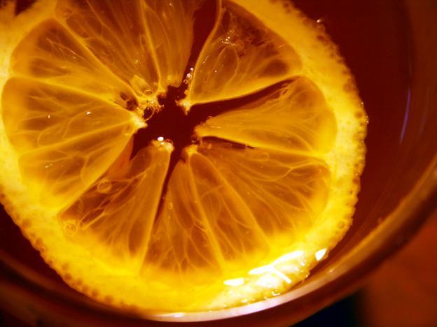 Маточината съдържа същата ароматна съставка, както и лимонът