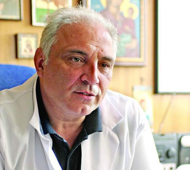 """д-р Димитър Димитров, директор на УМБАЛ """"Св. Анна"""""""