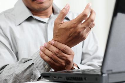 Ревматоидният артрит засяга не само периферните стави, но и вътрешните органи