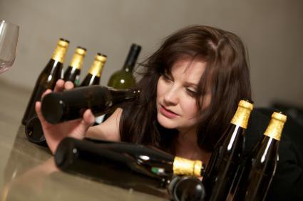 Според СЗО безопасната доза е до 20 – 30 г твърд алкохол или 50 – 70 мл вино